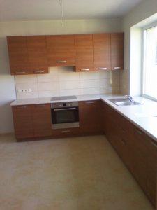 Didelės virtuvės baldai