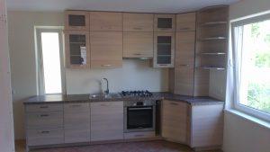 Stilingi modernūs virtuvės baldai