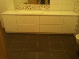 Vonios kambario baldai kaina