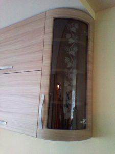 Dekoratyviniai stiklai virtuvės sekcijoms