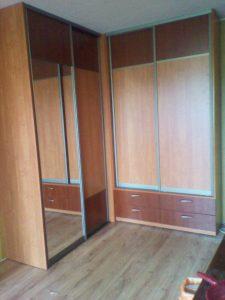 kambario spintos