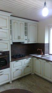 Stilingi klasikiniai virtuvės baldai